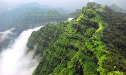 Panchgani-Most-Popular-Hill-Stations-in-South-India